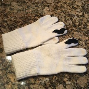 Impromptu Mustache Gloves